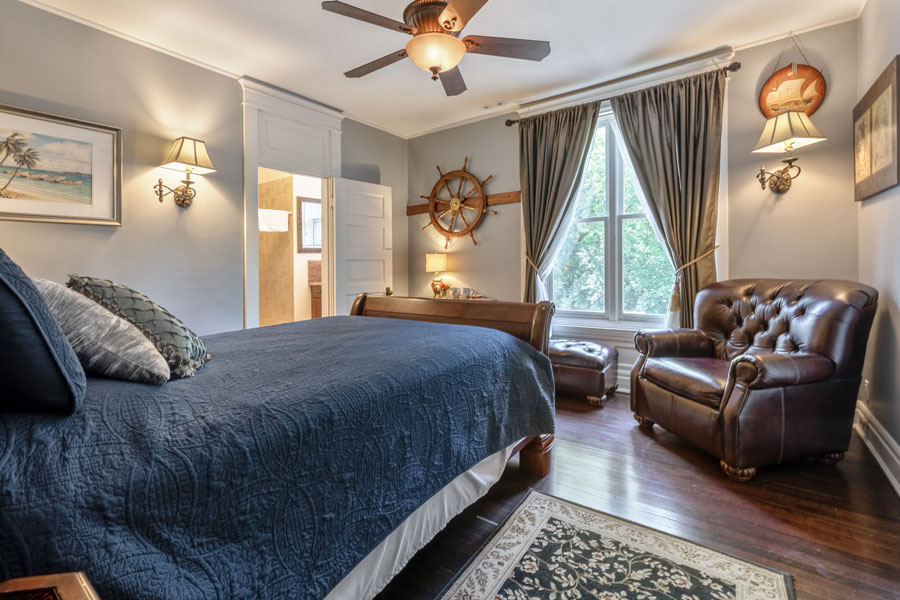 The Old Oak Suite Bedroom   Cherry Tree Inn Bed and Breakfast   Woodstock, IL