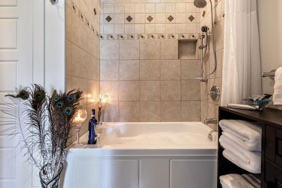 The Cherry Blossom Suite Bathroom | Cherry Tree Inn B&B, Woodstock, IL